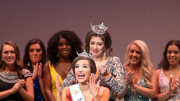 Miss Kentucky 2019 crowned in Louisville – TheLevisaLazer com – The